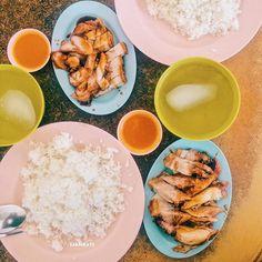 Siu nyuk cha Siu and chicken rice at 天旺茶室 Kedai Kopi Tien Wang Lido. My favourite place for roasted pork