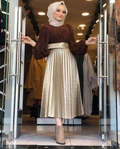 Abaya Fashion, Muslim Fashion, Modest Fashion, Fashion Dresses, Hijab Chic, Hijab Dress, Mode Hijab, Beautiful Outfits, Fashion Beauty