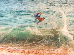 Big Beach: Makena State Park, more commonly known as Big Beach, goes by many names including Makena, Big Beach, and the Hawaiian name Oneloa. Hawaiian Names, Professional Surfers, Hawaii Surf, Learn To Surf, North Shore, State Parks, Islands, Surfing, World