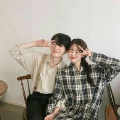 Image shared by ㅇㅅㅇ. Find images and videos about love, style and couple on We Heart It - the app to get lost in what you love. Ulzzang Korea, Korean Ulzzang, Cute Couples Goals, Couples In Love, Ulzzang Couple, Ulzzang Girl, Love Couple, Couple Goals, Korean Couple Photoshoot