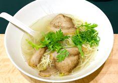 本場仕込みの台湾ラーメンだけでなく、台湾中華の食べ放題やコスパ最強の飲み放題が楽しめる隠れ家的なお店。メニューの数もかなり多く何度も訪れたくなる台湾ラーメン大王。優しい味の焼き飯が絶品。 Ramen, Soup, Ethnic Recipes, Soups, Soup Appetizers, Windows