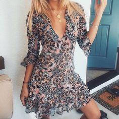 Friday morning in the Gracie Mini Dress  @sheidamizani  #ForLoveandLemons