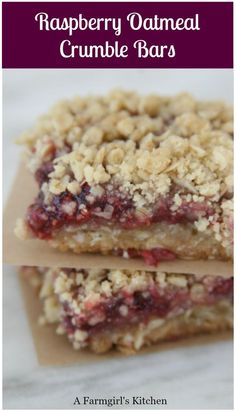 These homemade Raspberry Oatmeal Crumble Bars are probably one of the easiest desserts to make. They also make a great addition in the morning to your cup of coffee or snack. Easy To Make Desserts, Summer Dessert Recipes, Köstliche Desserts, Delicious Desserts, Homemade Desserts, Plated Desserts, Raspberry Bars, Raspberry Recipes, Tandoori