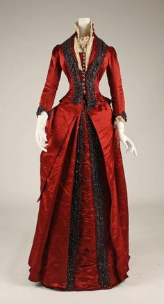 Late 1870s dinner dress via The Costume Institute of the Metropolitan Museum of Art by eileen