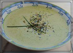 Zutaten:   3 große handvoll frischen Mangold    (geht genauso mit TK-Spinat)   1/2 Zwiebel   Salz, Pfeffer, Muskatnuss   Sonnentors Supp... Vegan, Ethnic Recipes, Food, Spinach, Onion, Eten, Meals, Vegans, Diet