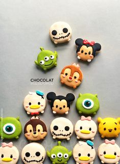 Omg these would be adorable magnets Cute Polymer Clay, Cute Clay, Fimo Clay, Polymer Clay Projects, Polymer Clay Charms, Polymer Clay Creations, Clay Crafts, Polymer Clay Disney, Clay Magnets