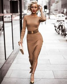 Nude & gold never gets old ✨ Dress & belt from // Fashion Look by Micah Gianneli Fashion Blogger Style, Look Fashion, Autumn Fashion, Womens Fashion, Fashion Tips, 50 Fashion, French Fashion, Korean Fashion, Classy Outfits