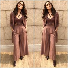 smokin hot look for Force 2 promotions in Delhi today. Outfit Jewellery Shoes Styling hair and Makeup & Robes Western, Western Outfits, Mode Bollywood, Bollywood Fashion, Bollywood Saree, Best Designer Dresses, Indian Designer Outfits, Indian Dresses, Indian Outfits