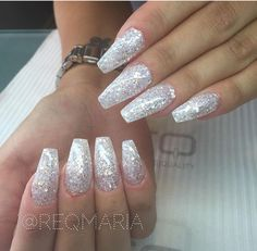 Glitter long coffin nails sparkly acrylic nails, w Silver Sparkle Nails, Acrylic Nails Coffin Glitter, White Coffin Nails, Simple Acrylic Nails, Sparkly Nails, Coffin Nails Long, Prom Nails, White Glitter Nails, Christmas Nails Glitter