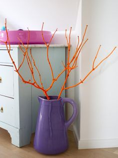Spray paint DIY - Branch spray painted in neon orange. Molotow Spray paint
