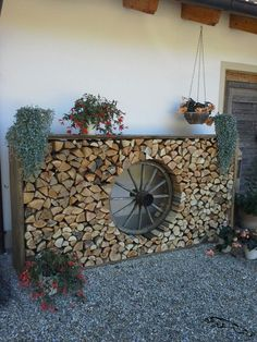 The post Remodeling and renovation of modern garden design with modern planting Wagenrad appeared first on Vorgarten ideen. Remodeling and renovation of modern garden design with modern planting Wagenrad Garden Types, Garden Art, Garden Ideas, Wagon Wheel Garden, Modern Planting, Outdoor Gardens, Indoor Outdoor, Modern Gardens, Outdoor Living
