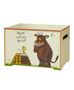 This sturdy toy box is ideal for storing toys, games, books, clothing in any room in the house. The stunning design features The Gruffalo and Mouse and coordinates with the other Gruffalo themed items we have available.