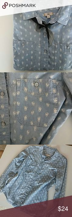 SALE Madewell Button Up Light blue denim with white floral pattern.  EUC Madewell Tops Button Down Shirts