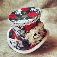 Mad Hatter Alice in Wonderland Steampunk Hat door OohLaLaBoudoir