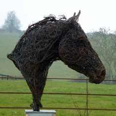 Horse Head - Wire Sculpture of a Horse Head - Mexican Metal Yard Art Chicken Wire Sculpture, Wire Art Sculpture, Steel Sculpture, Horse Sculpture, Wire Sculptures, Sculpture Projects, Garden Sculptures, Abstract Sculpture, Bronze Sculpture