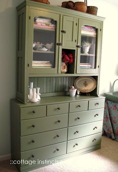 cottage instincts: Furniture Fix-Ups Fast Furniture, Metal Furniture, Furniture Projects, White Hutch, Old Dressers, Furniture Companies, Kids House, China Cabinet, Sweet Home