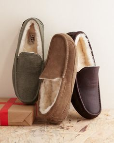 UGG® Men's Ascot Slippers For the winter yes please!