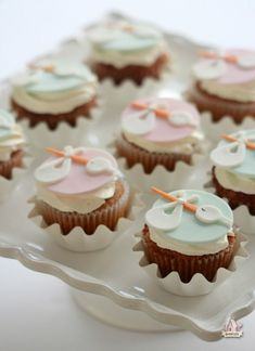 How to make stork cupcake toppers (Sweetopia). So cute for a baby shower.