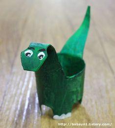 휴지심 재활용 공룡 만들기 Baby Art, Art Kids, Infant Art, Baby Artwork