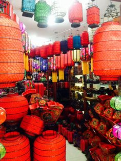 Lantern shop The Pearl Market Beijing https://www.facebook.com/mytravelswithmymumblog http://www.mytravelswithmymum.com/destinations-beijing-forbidden-city/