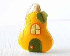 PDF Pattern Honeycrisp Cottage Ornament Pattern by sosaecaetano