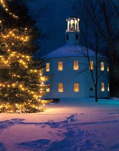 Round Church in Richmond, Vermont |  by Richard Ennis on Capture My Vermont // Round Church on a cold Winter evening.