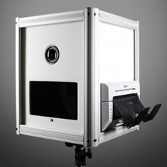 FlairBooth DSLR for Surface Pro - Flairbooth - The Open Air Photo Booth made for Simplebooth and Livebooth apps