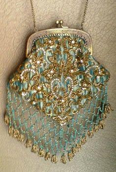 gorgeous... Antique Gatsby era beaded purse