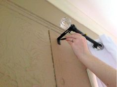 Take a second to read this. So ridiculously easy and smart! Easy way to hang curtain rods! Hanging Curtain Rods, Drapery Rods, Curtains With Blinds, Drapes Curtains, Short Curtains, Valances, Blackout Curtains, Window Coverings, Window Treatments