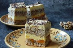 Prajitura din albusuri cu gem de caise si crema de vanilie Romanian Desserts, Romanian Food, Egg White Cookies, French Toast, Sweet Treats, Cheesecake, Food And Drink, Sweets, Cooking