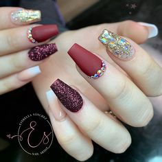 Simple Winter Nails Matte Color For Short Nail Art Designs Perfect Nails, Gorgeous Nails, Pretty Nails, Matte Nails, Red Nails, Hair And Nails, Ongles Bling Bling, Bling Nails, Classy Nails