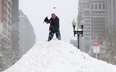 http://www.telegraph.co.uk/news/worldnews/northamerica/usa/11420088/Snowmageddon-17-amazing-photos-of-record-breaking-US-snow.html