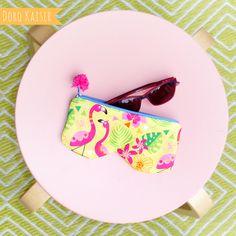 """Mein Stoffdesign: Brillentasche aus meinem Stoff """"Pink Flamingo"""" #stoff #surfacepattern #flamingo #summer #tropic #fabricpattern #patterndesign #nähen #spoonflower #stoffschmiede #stoffliebe"""