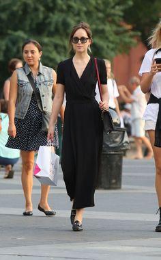 Dakota Johnson Shopping in NYC Sep-2016 Celebstills D Dakota Johnson