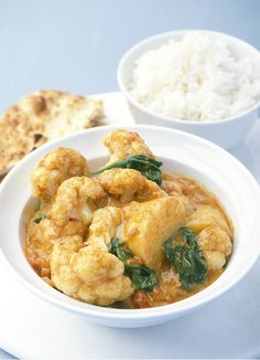 Cauliflower curry Spice up meat-free Monday with our best cauliflower curry: perfect if you're craving something rich and earthy. Ideally paired with naan or basmati rice, cauliflower never tasted better. Vegetarian Curry, Going Vegetarian, Vegetarian Recipes, Healthy Recipes, Healthy Food, Healthy Curry Recipe, Curry Recipes, Coconut Recipes Easy, Curry Spices