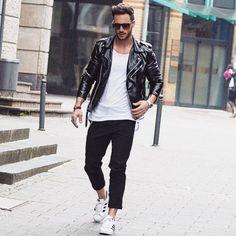 黒ダブルライダース×白Tシャツ×黒パンツ×adidasスーパースター | メンズファッションスナップ フリーク | 着こなしNo:129944