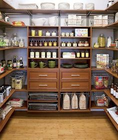 very organized pantry, with shallow shelves so nothing gets lost in the back. #home #kitchen