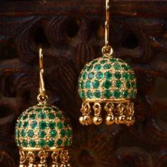 Gehna offer to showcasing Simple emerald jhumkis handcrafted in 18k yellow gold online in Chennai.