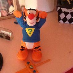 Tigger The Tiger Walt disney remote control he talks flips bounces way to cute $16.55