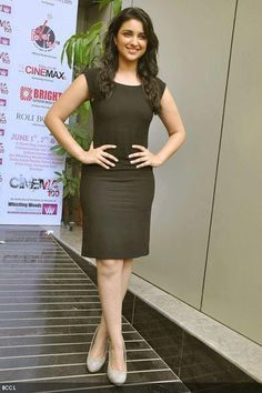 Parineeti Chopra Most Beautiful Hollywood Actress, Beautiful Bollywood Actress, Most Beautiful Indian Actress, Indian Wife, Indian Girls, Indian Actress Photos, Indian Actresses, Red Carpet Dresses 2016, Satin Dresses