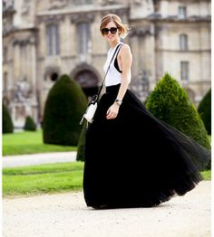 Paris fashionweek wearing Alberta Ferretti - The Blonde Salad ** I wish people wore skirts like this in real life. The Blonde Salad, Winter Trends, Tutu Noir, Corset, Mode Online Shop, Mode Top, New Years Eve Outfits, Moda Chic, Tulle Skirts