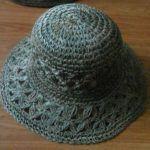Tığla Örgü Bayan Şapkası Nasıl Yapılır? Tığ işi Açıklamalı Türkçe Videolu anlatımlı Fötr Yazlık Kadın ve Kız Çocuk Şapkası yapılışını detaylı olarak izleyebilirsiniz.Örgü Fötr Şapka Yapımı için Pe…