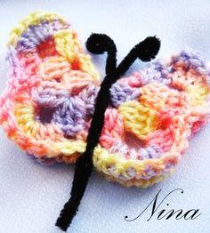 NINA'S ART: CROCHET BUTTERFLY MAGNET