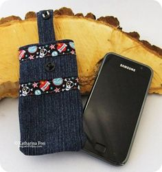 Sewed IPhone cover made from an old jeans
