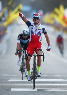 #Kristoff conquers #TourofFlanders #RVV - Norwegian sprinter dispatches Terpstra from two-man breakaway