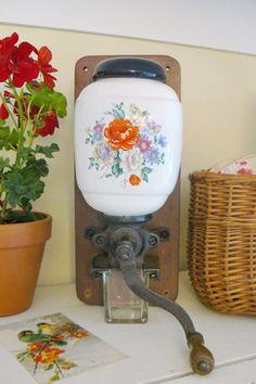Floral coffee grinder - Vintage Lifestyle