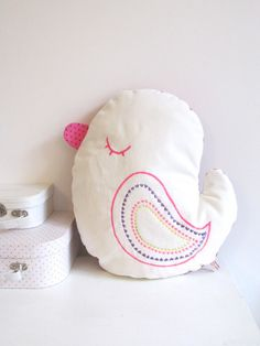 pioupiou a lovely birdie pillow handmade in paris...