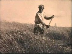 Авдотья Рязанка говорит на древнерусском языке.