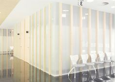 This medical centre in San Sebastian, designed by Spanish studio Pauzarq, has consultation rooms with translucent glass walls. Glass Room, Glass Walls, Frosted Glass Design, Marble Room, Wall Mounted Lamps, Arch Interior, Interior Design, Space Projects, Clinic Design