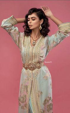 Morrocan Kaftan, Moroccan Dress, Muslim Fashion, Hijab Fashion, Fashion Dresses, Morrocan Fashion, Moroccan Bride, Hijab Style Dress, Indiana